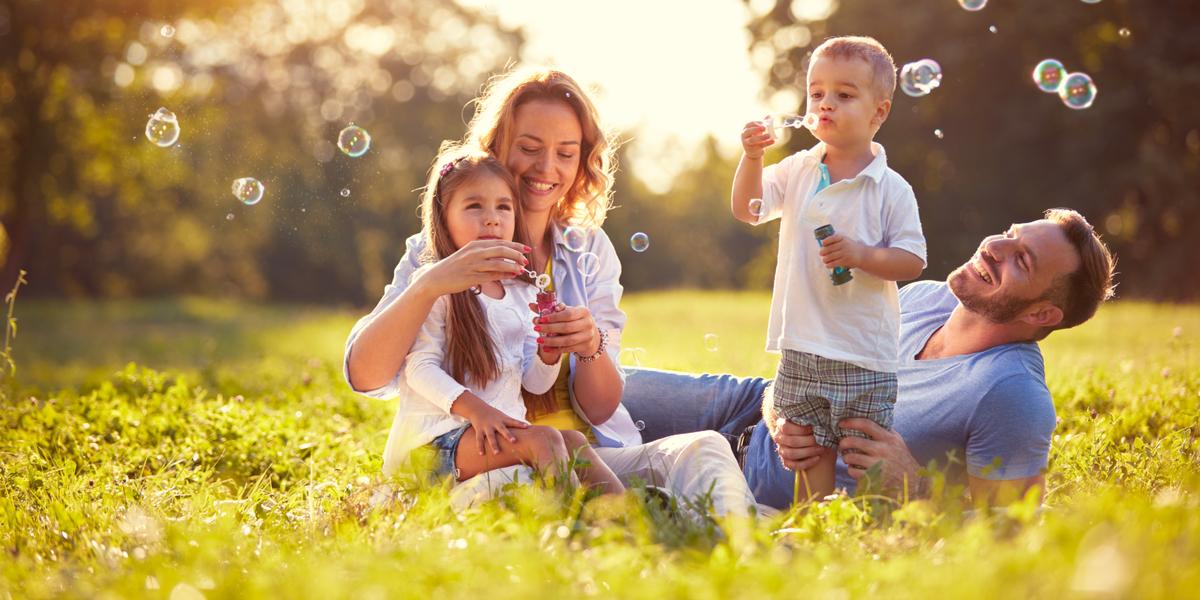 Family - Children - Soap Bubbles